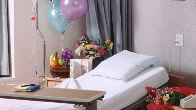 病床,花,安樂死,生病,醫院。(圖/視覺中國CFP)