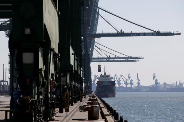 ▲中国14日宣布,明起全面禁止自北韩进口煤、铁、铁矿石、铅、铅矿石、海产。(图/路透社)
