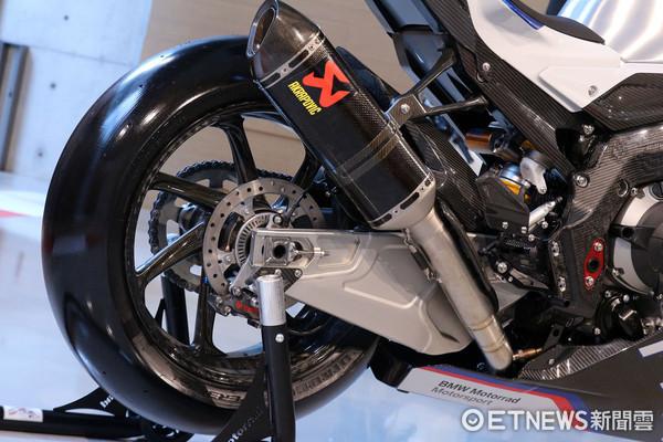 ▲399萬碳纖重機全台唯一!BMW HP4 RACE實車現身。(圖/記者張慶輝攝)