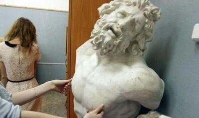 巨巨們的困惱:朋友看我像怪物,胸肌老是被偷戳