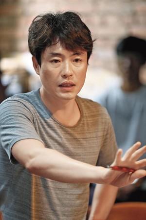 《軍艦島》導演柳昇完,在首爾接受本刊專訪。
