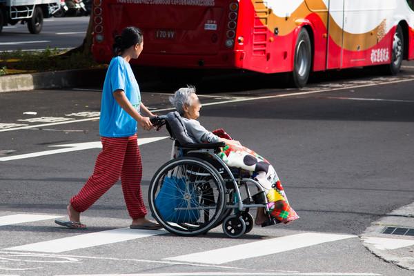 ▲▼老人照護,看護,幫傭,外籍看護工。(圖/記者季相儒攝)