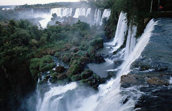 ▲伊瓜蘇瀑布( Iguazu Falls)。(圖/翻攝自維基百科)
