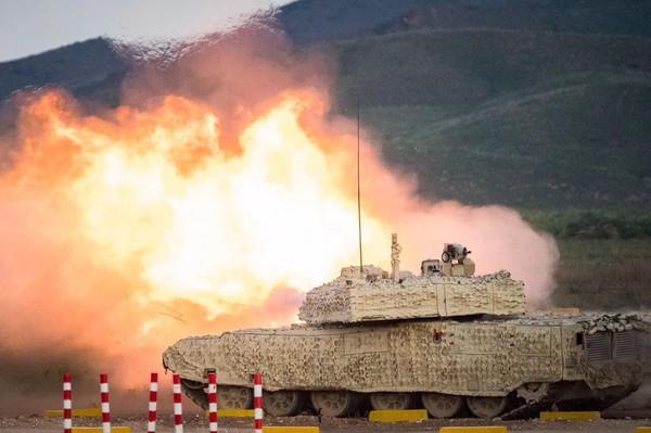 ▲▼中國兵器工業集團16日在內蒙古包頭的「裝甲與反裝甲日」活動。(圖/翻攝自《觀察者網》)