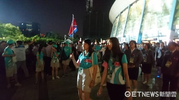 ▲▼由於反年改抗議,外隊被擋在會場外。(圖/記者陳家祥攝)