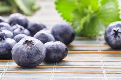 莓果類大PK!冠軍花青素含量是「葡萄80倍」 抗衰老靠它