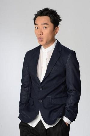 金剛簽了香港藝人王祖藍為中國經紀人,未來大中華都交由他全權打理。