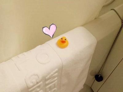 住高級飯店竟有不搭嘎「黃色小鴨」等你 還有暖心手寫信療癒心靈