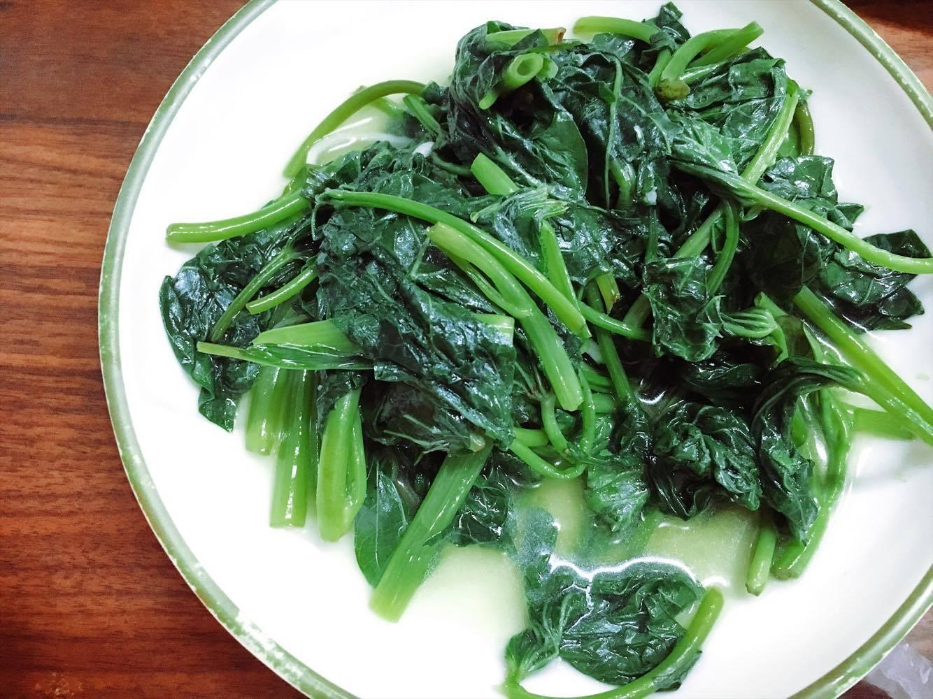 地瓜葉,青菜,燙青菜,蔬菜。(圖/記者李佳蓉攝)