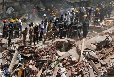 豆腐渣工程 印度塌樓10死20傷