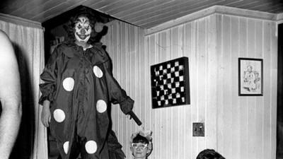 小丑恐懼症...10張驚悚小丑照,背後忽然毛毛的