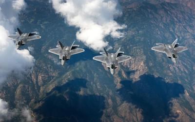 解放軍成功追蹤F-22 美軍:還是打不到