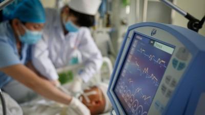 17歲少女癌逝 欠百萬醫藥費被扣遺體!葬儀師幫募款辦後事
