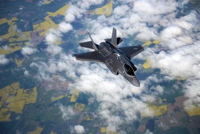 日本擬新採購最多100架F-35戰機