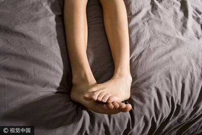 愛愛後腳抬高幫助受孕? 醫:特定姿勢關鍵在子宮角度位置