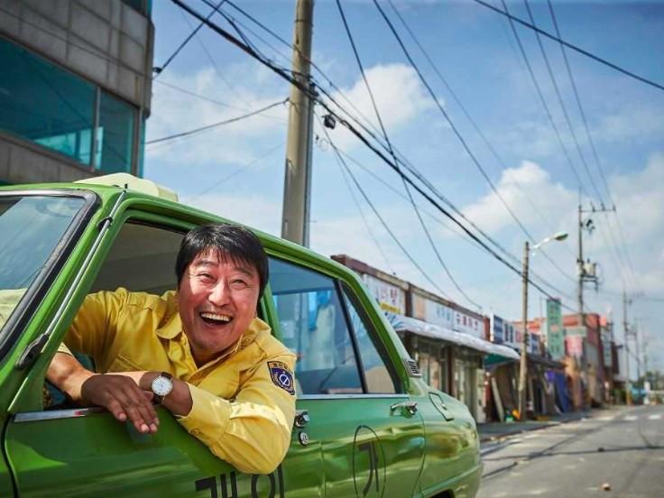▲《我只是個計程車司機》劇照。首圖大小(圖/車庫娛樂提供)