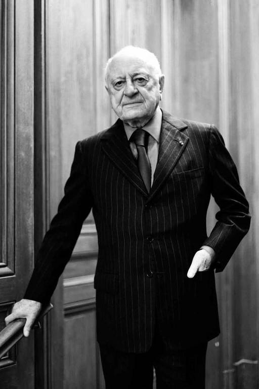 ▲YSL爱人皮尔杰享寿86岁(图/翻摄自Pierre Bergé et associés FB)