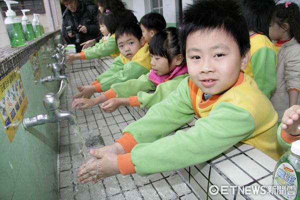 ▲腸病毒洗手資料照。(圖/疾管署提供)