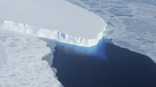 水下機器人傳回壞消息! 南極「末日冰川」支撐點遭高溫海水夾擊