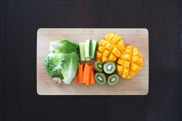 ▲楼梯,饮料,蔬菜,下厨,游泳。(图/翻摄PEXELS)