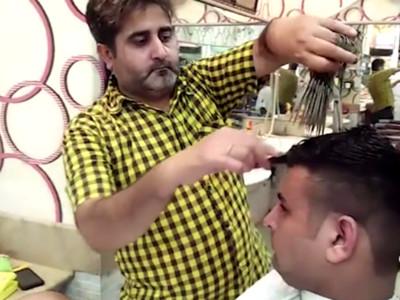 手不酸嗎?巴國瘋狂理髮師,剪髮要拿15把刀削頭皮