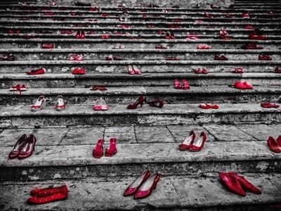 恐怖童話《紅舞鞋》原型!萬人跳舞停不住,直到器官衰竭而死