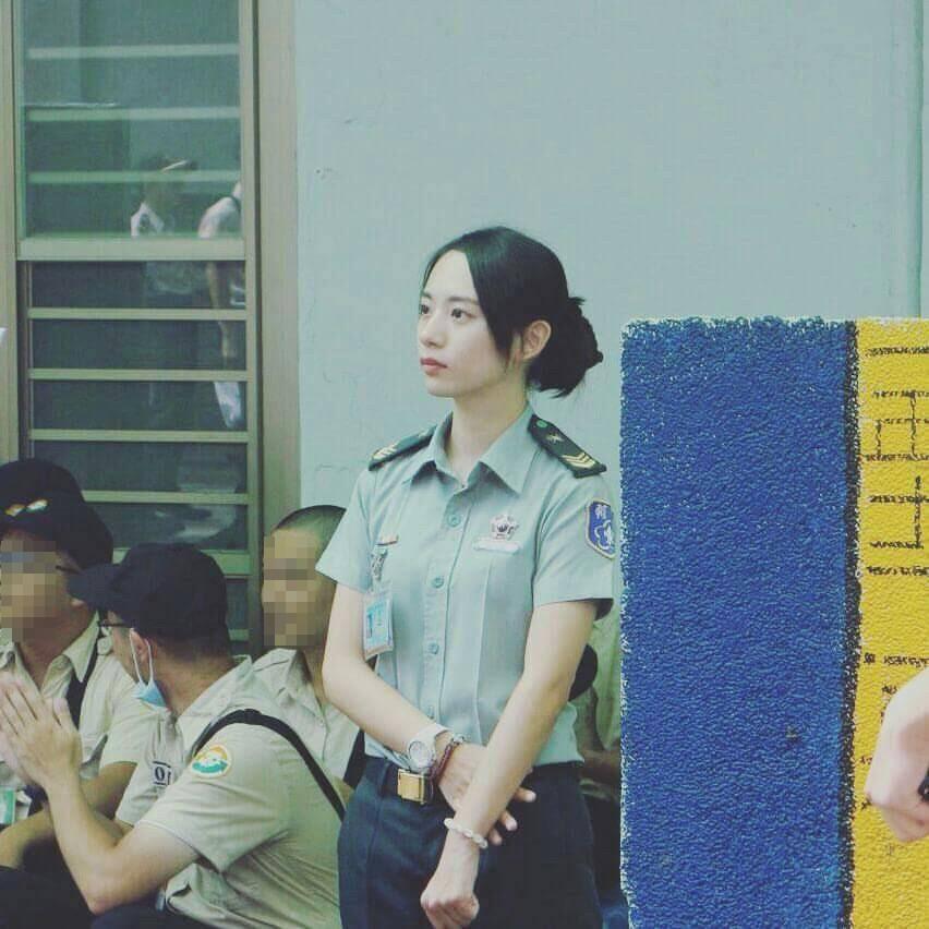 成功嶺國軍女士官太正...氣質清新好甜(圖/翻攝PTT)