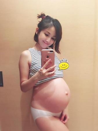 鍾欣怡即將在10月初剖腹產。(圖/取自鍾欣怡粉絲團)