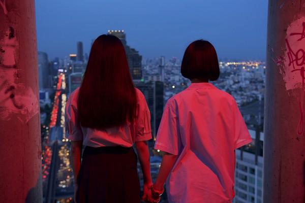 劇組闖「曼谷猛鬼摩天大樓」 嚇傻:白天像晚上一樣黑