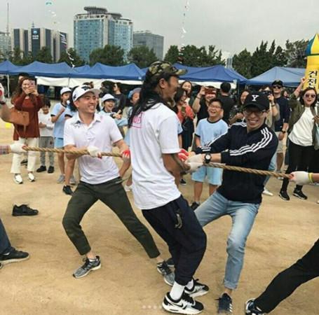 ▲▼劉在錫參加運動會。(圖/翻攝自Instagram)