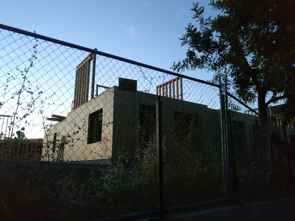 ▲▼加州政府規定建商提供十年結構保固,交屋後若有任何結構上的問題,建商必須負責。(圖/簡明葳提供)