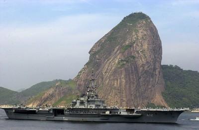 巴西低價賣最老航母 只服役206天