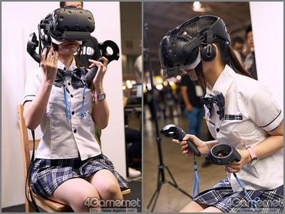 高中妹玩VR裙擺搖搖超美,一拿下頭盔…網:妳還是戴回去吧