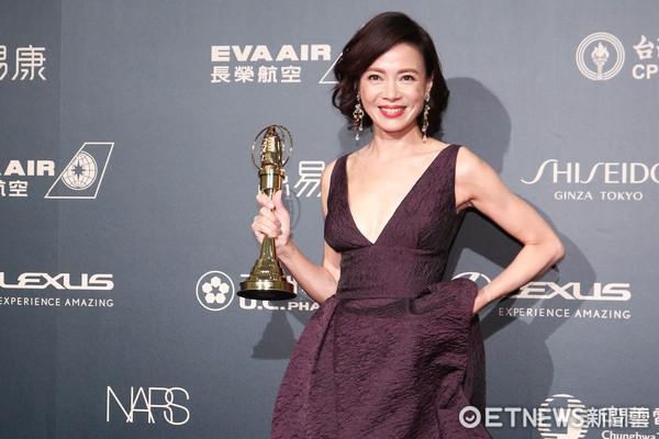 第52屆金鐘奬-戲劇節目女主角獎-柯淑勤/植劇場的第一季《戀愛沙塵暴》。(圖/攝影中心攝)