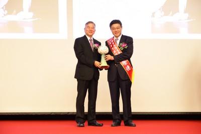 冠軍建材董座林榮德 獲傑出大陸台商獎