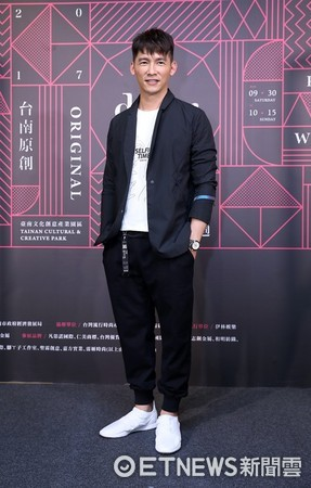 ▲溫昇豪出席2017南躍時尚-臺南原創時裝週活動。(圖/伊林娛樂提供)