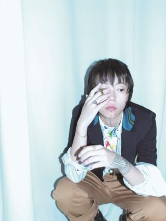竇靖童推出第二張數位新專輯《Kids Only》,曲風更為隨性自由充滿個人風格。(銀魚提供)