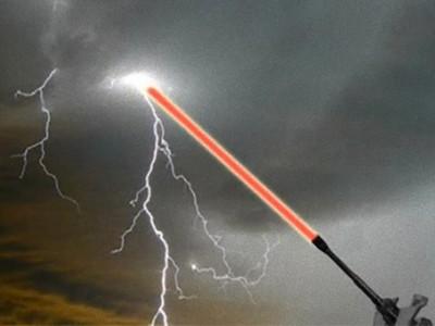 暴風女是真的!美國「操縱天氣」研究 用雷射光招喚颱風閃電