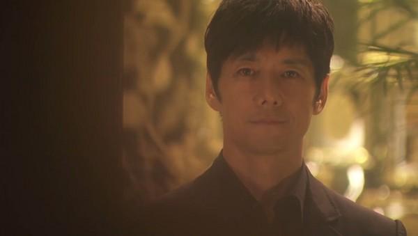 ▲西島秀俊和綾瀨遙一見鍾情,3個月就閃婚。(圖/翻攝自《NTV》直播)