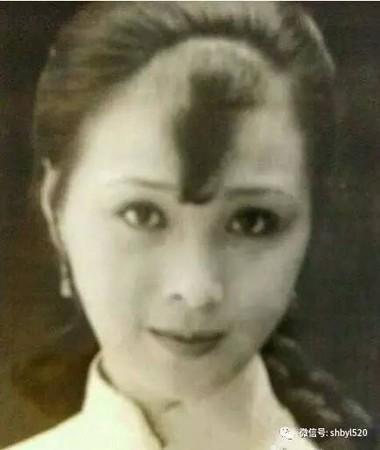 ▲▼劉亦菲「我是全家最醜」 阿姨照曝光…網友信了!(圖/翻攝自微博)