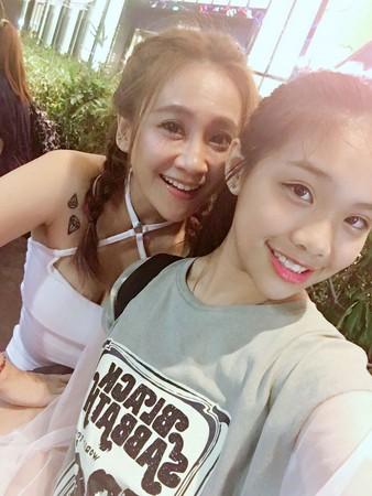 ▲藝人林秀琴與女兒陳琳合照。(圖/秀琴提供)
