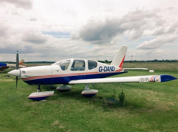 ▲▼7歲英國小男孩成為最年幼的輕型小飛機飛行員。(圖/翻攝自CovAeroClub Twitter)