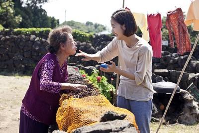贈獎/尹汝貞、金高銀詮釋動人祖孫情   《季春奶奶》絕對會讓你跟著一起哭!
