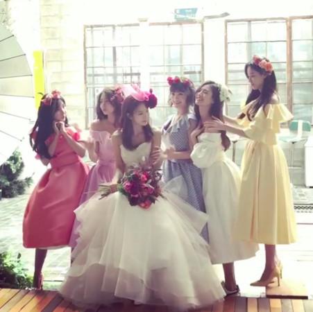 ▲▼After School重聚了 「正雅嫁籃球選手」姐妹幫拍婚紗(圖/珠妍、正雅IG)