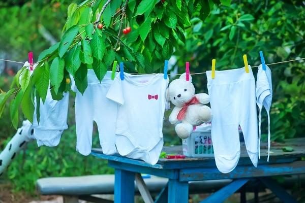 晾衣服,曬衣服,晾乾,洗衣服(圖/達志/示意圖)