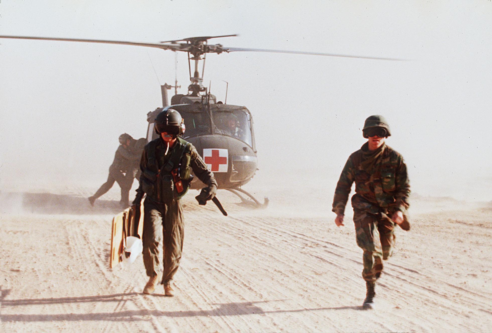 ▲▼波斯灣戰爭是指1990年8月2日至1991年2月28日期間,以美國為首的34個國家組成聯軍,並且和和伊拉克發生的一場局部戰爭。(圖/達志影像/美聯社)