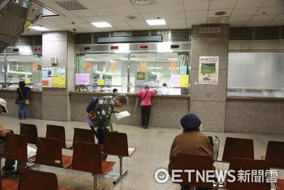 健保門診中心熄燈前 他們為老病患做了「4件貼心事」