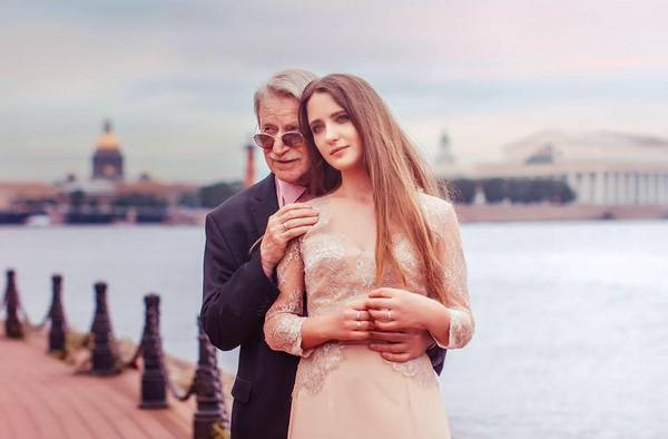▲▼俄羅斯的資深演員卡拉斯科(Ivan Krasko)以84歲的年紀迎娶24歲的娜塔莉。(圖/翻攝自Natalia Shevel臉書)