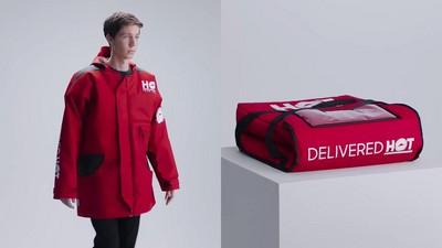 超潮「保溫袋大衣」!穿上全身冒熱氣 口袋還能放披薩