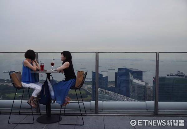 ▲新加坡夜店1-Altitude。(�D/�者�涵茵�z)